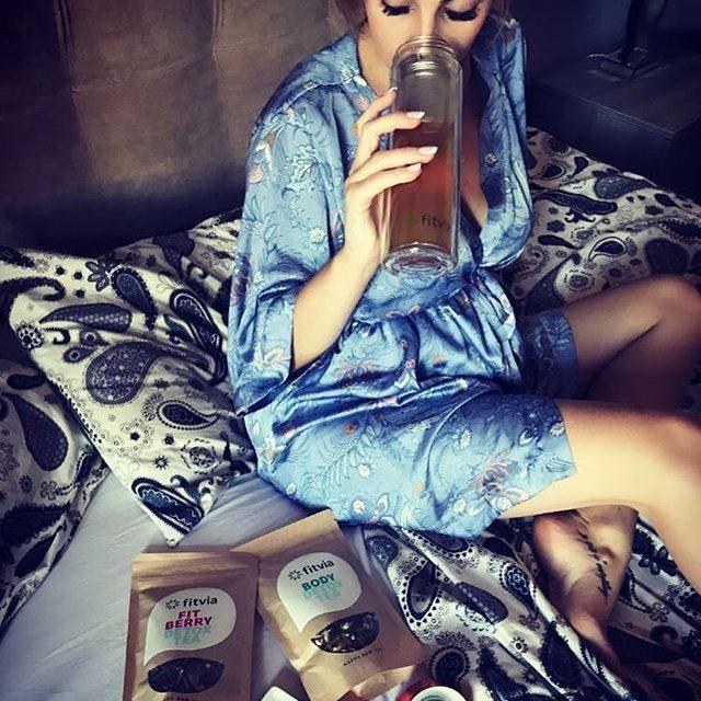 @alessia_cammy_ for @fitvia.it #tea #rest #fitvia #ddfinfluenceragency #danieledefalcomanagement #drink #fitness #fitnessgirl